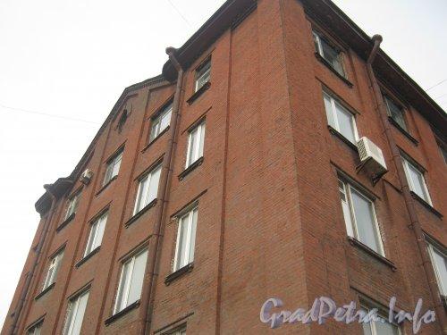 Лиговский пр., дом 289. Общий вид верхней части здания. Фото 26 июня 2012 г.