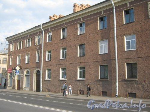 Волковский пр., дом 8. Левая часть фасада. Фото 18 сентября 2012 г.