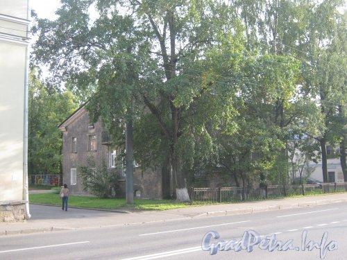 Волковский пр., дом 18. Общий вид с нечётной стороны проспекта. Фото 18 сентября 2012 г.