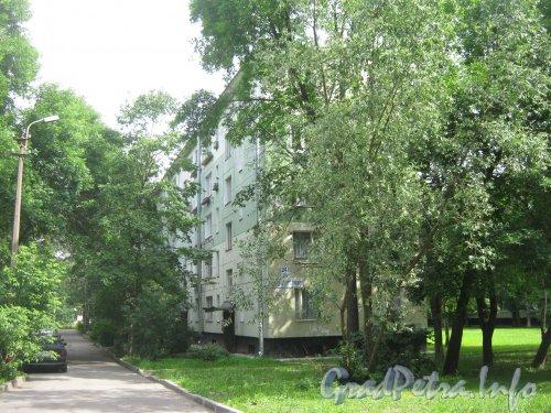 Пр. Народного Ополчения, дом 241, корпус 3. Общий вид со стороны дома 241 корпус 1. Фото 2 июля 2012 г.