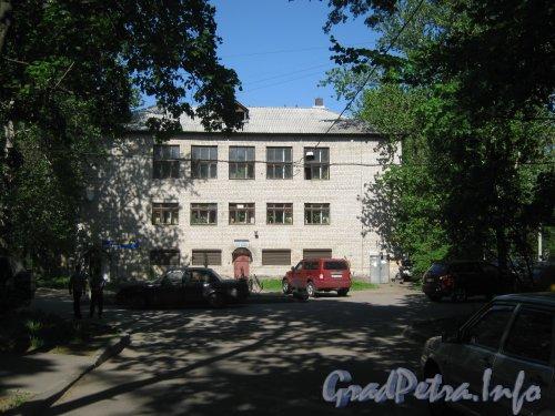 Дачный пр., дом 19, корпус 4. Общий вид со стороны дома 32 по ул. Танкиста Хрустицкого. Фото 23 мая 2012 г.