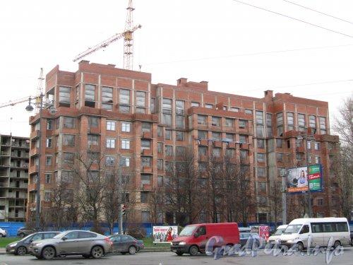 Пр. Московский, дом 183-185. Строительство одного из корпусов жилого комплекса «Граф Орлов». Фото ноябрь 2012 г.