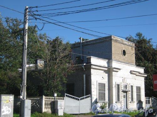 Пр. Энгельса, дом 107, корпус 2. Вид с трамвайной остановки «Поклонная Гора». Фото 4 сентября 2012 г.