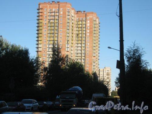 Актёрский проезд, дом 6. Вид с перекрёстка улицы Руднева и Актёрского проезда. Фото 4 сентября 2012 г.