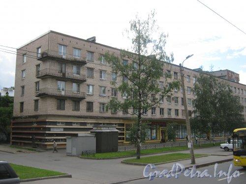Тихорецкий пр., дом 7, корпус 1. Вид с Тихорецкого пр. Фото 22 июля 2012 г.