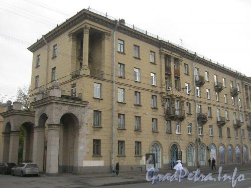 Пр. Стачек, дом 34, корпус 1. Общий вид с пр. Стачек. Фото 19 октября 2012 г.
