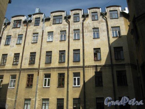 Каменноостровский пр., дом 26-28. Часть здания в 5 дворе. Фото 7 июля 2012 г.