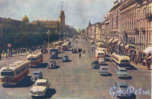 Перспектива Невского проспекта от Садовой улицы в сторону Адмиралтейства. Фотоальбом «Ленинград», 1959 г.