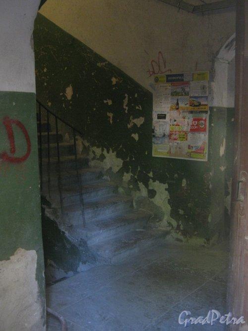 Каменноостровский пр., дом 26-28. Внутри одной из парадной. Фото 7 июля 2012 г.