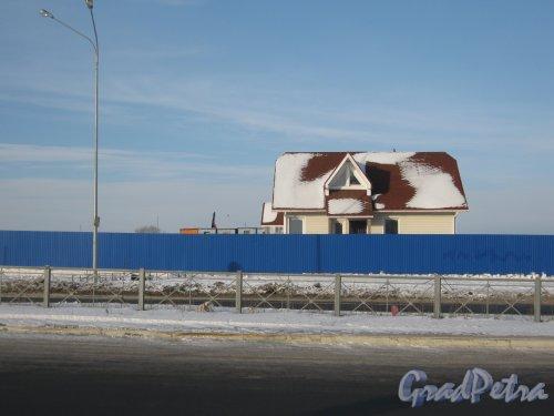 Пр. Героев, дом 12а. Общий вид здания. Фото 28 января 2013 г.