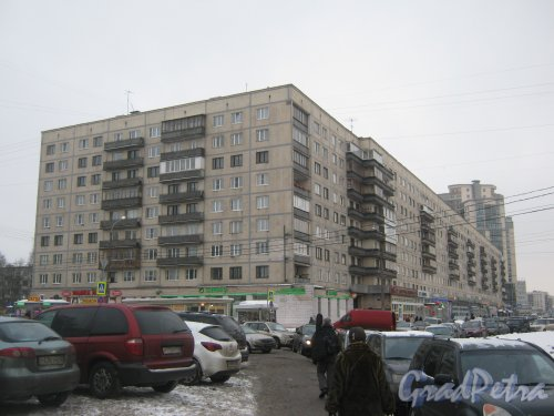 Гражданский пр., дом 117, корпус 1. Общий вид здания с пр. Просвещения. Фото 30 января 2013 г.