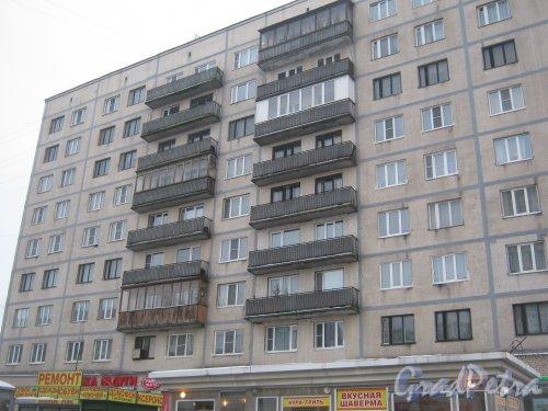 Гражданский пр., дом 117, корпус 1. Фрагмент здания со стороны Киришской ул. Фото 30 января 2013 г.