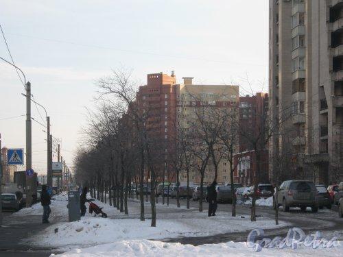 Ленинский пр., дом 75, корпус 1. Общий вид с ул. Доблести. Фото 28 января 2013 г.