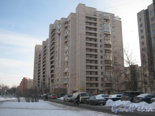 Ленинский пр., дом 67, корпус 1. Общий вид с ул. Доблести. Фото 28 января 2013 г.