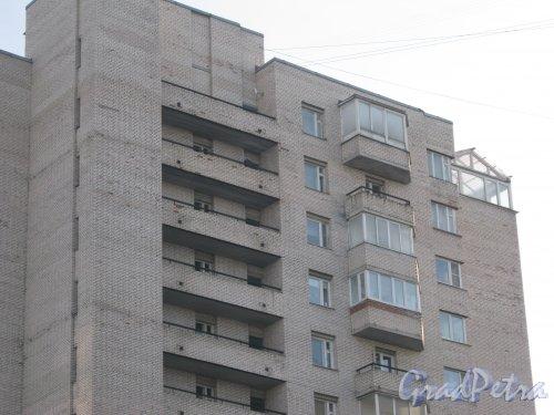Ленинский пр., дом 67, корпус 1. Фрагмент здания. Вид с ул. Доблести. Фото 28 января 2013 г.