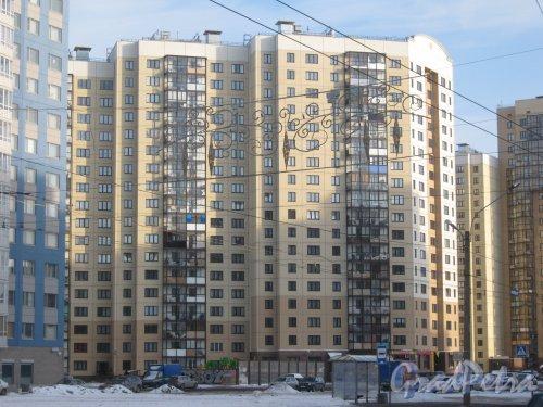 Ленинский пр., дом 74, корпус 1, литера А. Фрагмент здания. Вид с ул. Доблести. Фото 28 января 2013 г.