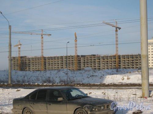 Ленинский пр., дом 55, корпус 3 (ориентировочный адрес). Общий вид со стороны дома 55 корпус 1. Фото 28 января 2013 г.