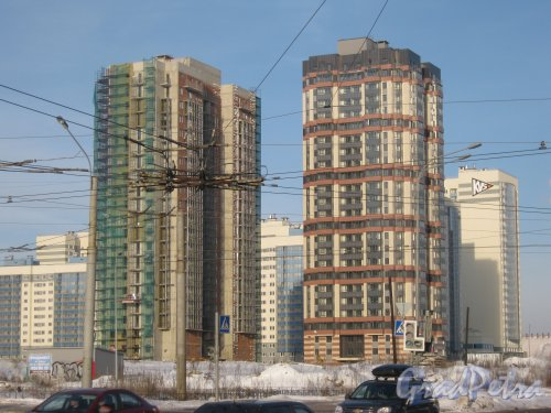 ул. Доблести, дом 7. Общий вид строящихся зданий с ул. Доблести. Фото 28 января 2013 г.