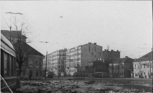 Невский пр., дом 184. Дома на участке до строительства дома 184. Фото 1940-1950-х годов.