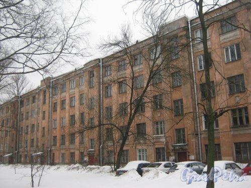 Тихорецкий пр., дом 5, корпус 2. Вид со стороны дома 5 корпус 1. Фото 8 февраля 2013 г.