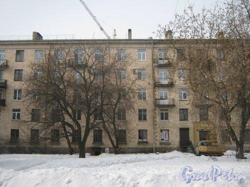 Пр. Энгельса, дом 22. Фрагмент фасада со стороны пр. Энгельса. Фото 26 февраля 2013 г.