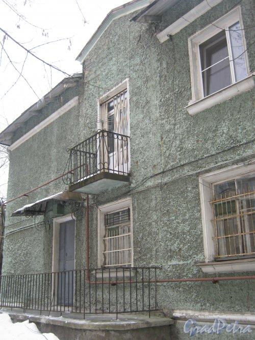 Пр. Энгельса, дом 18. Общий вид со стороны двора. Фото 26 февраля 2013 г.