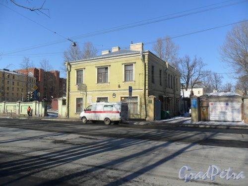 Рижский проспект, дом 21. Слева улица Циолковского. Фото 9 марта 2013 г.
