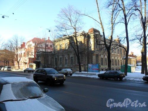 Рижский проспект дом 27 (справа). Слева Рижский проспект дом 29