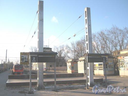 Загородный пр., дом 52, литера П. Пригородные платформы Витебского вокзала. Фото 21 марта 2013 г.