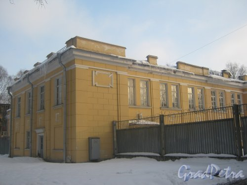 Тихорецкий пр., дом 3, литера АГ. Фрагмент фасада со стороны дома 7 корпус 6. Фото 17 февраля 2013 г.