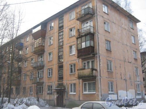 Тихорецкий пр., дом 9, корпус 2. Фрагмент здания со стороны дома 13. Фото 17 февраля 2013 г.