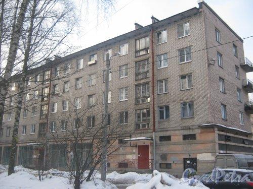 Тихорецкий пр., дом 9, корпус 1. Фрагмент здания со стороны дома 11. Фото 17 февраля 2013 г.