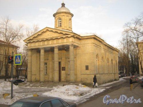 Город Гатчина. Пр. 25 Октября, дом 39. Церковь Святого Николая. Вид со стороны пр. 25 Октября. Фото март 2013 г.