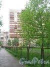 Ленинский пр., дом 92, корп. 3. Фрагмент здания со стороны дома 92, корпус 2. Фото 26 мая 2013 г.