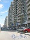 Ленинский пр., дом 55, корпус 1, литера А. Фрагмент фасада и вид вдоль дома в сторону ул. Доблести. Фото 30 мая 2013 г.