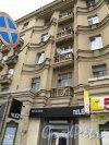 Московский пр., д. 216.жилой дом с магазинами. Фрагмент фасада здания. Фото 2013 г.