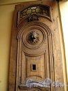 Невский пр., д. 84-86. Дом актера. Фрагмент резных ворот. Фото июнь 2012 г.