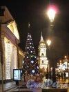 Невский пр., д. 33. Башня Городской думы в новогоднем освещении. Фото кон. декабря 2013 г.