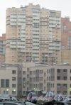 Ленинский пр., дом 82, корпус 3. Общий вид с пр. Кузнецова. Фото 29 декабря 2013 г.