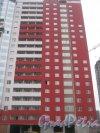 Ленинский пр., дом 55а. Фрагмент строящегося здания со стороны фасада. Фото 29 декабря 2013 г.
