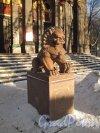 Приморский пр., д. 91. Буддийский храм. Скульптура на входе. Фото январь 2013 г.