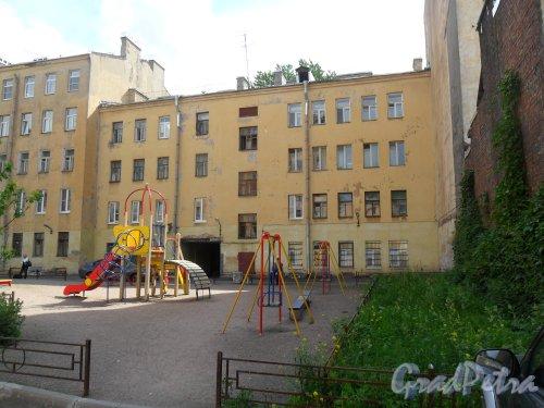 Нарвский проспект, дом 27. Вид дома со двора. Фото 17 июня 2013 г.