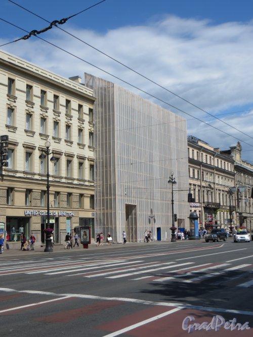 Невский пр., дом 60. Ремонт фасада здания. Фото 19 июня 2013 г.