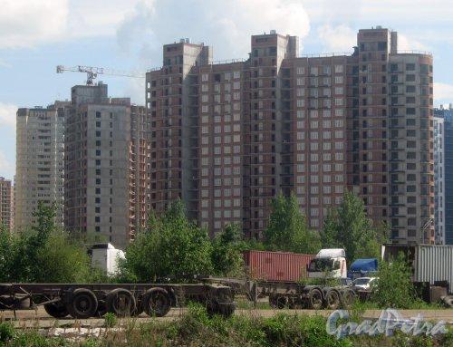 Пр. Кузнецова, дом 11, корпус 3. Вид с ул. Доблести около Юго-Западной ТЭЦ. Фото 30 мая 2013 г.