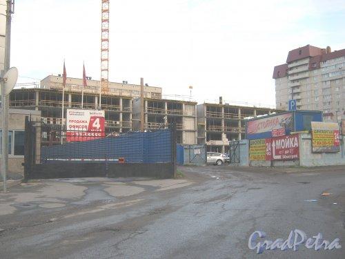 Ленинский пр., дом 153, литера А. Строительство БЦ «SetlCenter». Фото 11 июня 2013 г.