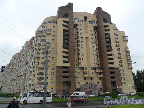 Коломяжский проспект,дом 28,корпус 3. Общий вид здания.