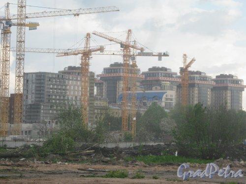 Московский пр., дома 94. Общий вид с территории бывшего Варшавского вокзала на строящиеся здания. Фото 30 мая 2013 г.