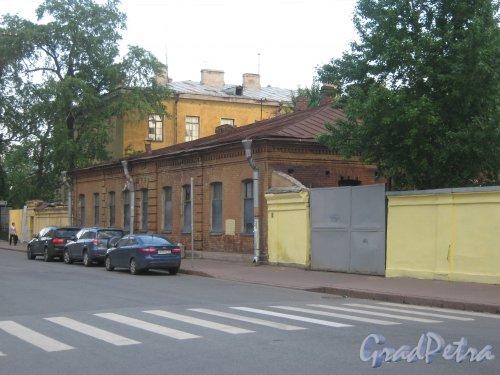 Измайловский пр., дом 13, литера Д. Вид с 8-й Красноармейской ул. Фото 30 мая 2013 г.