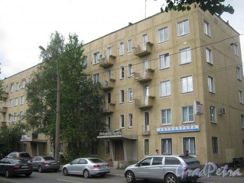 Новочеркасский пр., дом 58. Общий вид здания. Фото 23 июля 2013 г.