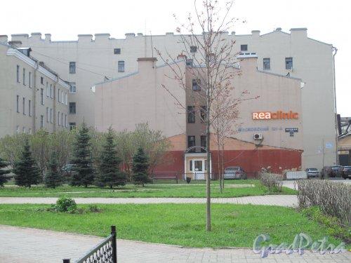 Московский пр., дом 121. Жилой дом со стороны брандмауэра со следами временной пристройки. Фото май 2013 г.